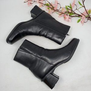 Vintage Black Leather Ankle Boots Size 7 Narrow